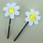 White Daisy Hair Grips - HFL018