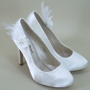 Bridal Shoe Clips Ivory Flower and Feather - BSC001